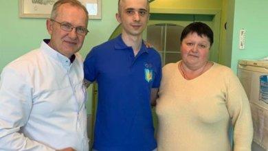 Photo of «Только мама плачет»: в Днепре спасают жизнь бойца, который был ранен под Иловайском