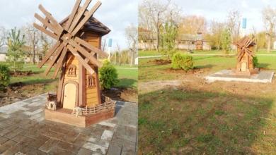 Photo of В парке села Покровское появились декоративные мельница, воз, колодец и качели