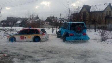 Photo of На «Приусе» решили не останавливаться: днепряне слепили из снега новый автомобиль