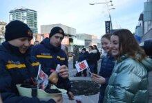 Photo of В Днепре спасатели дарили жителям «профилактические пряники»